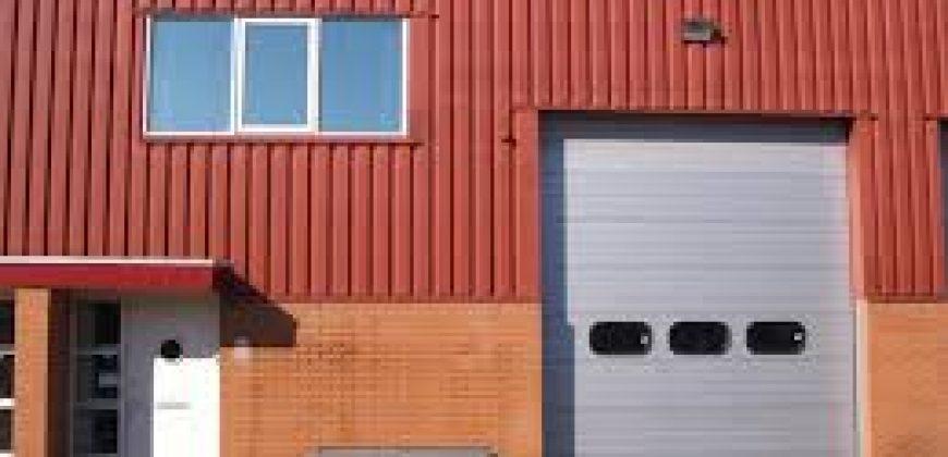 NIEUW VENNEP 100 m2 bedrijfssruimte en 50 m2 kantoorruimte